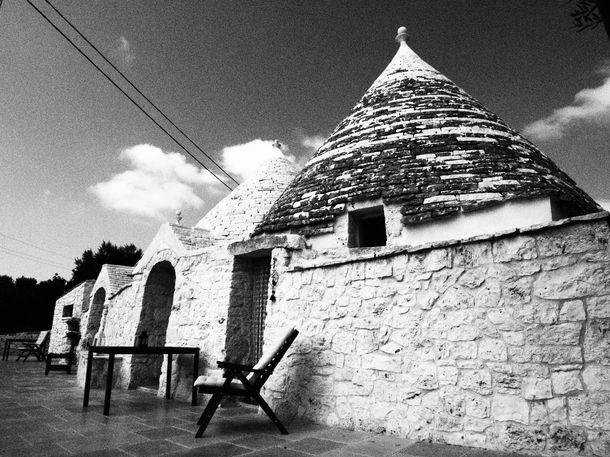 Trulli-e-Grotte-Esclusive-House-with-pool